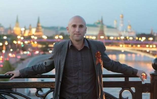 5a02d2658ca8ed Кремлівський пропагандист прилюдно знущався з могили Бандери - 24 Канал