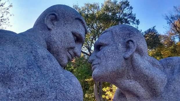 Клички скульптура граніт