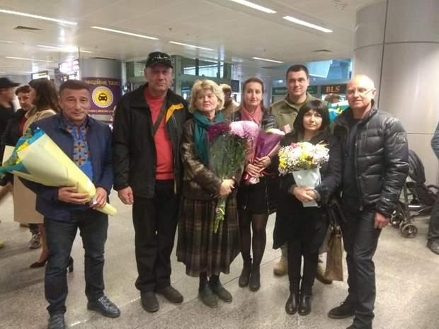 В аеропорту зустрічали учасників ІІІ літніх Юнацьких Олімпійських ігор