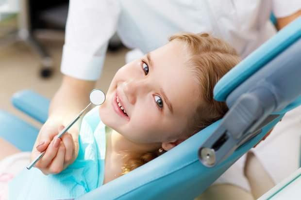 Догляд за зубами дітей