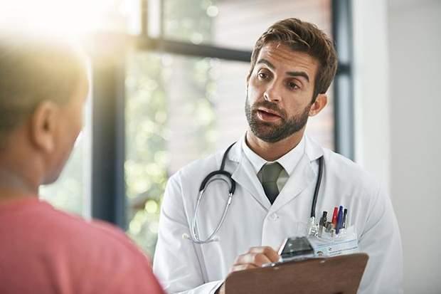 Лікар повинен пояснювати пацієнтам, давати вибір