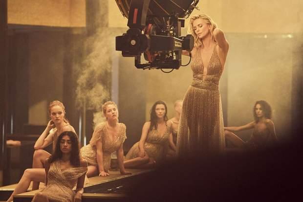 Краса – це прийняття себе  Шарліз Терон знялася у фільмі Dior ... a281e0084c71c