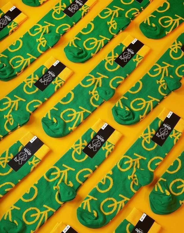 Деякий час Марта й Андрій намагалися поєднували виробництво шкарпеток із  основною роботою. Зрештою d5da2443f412e