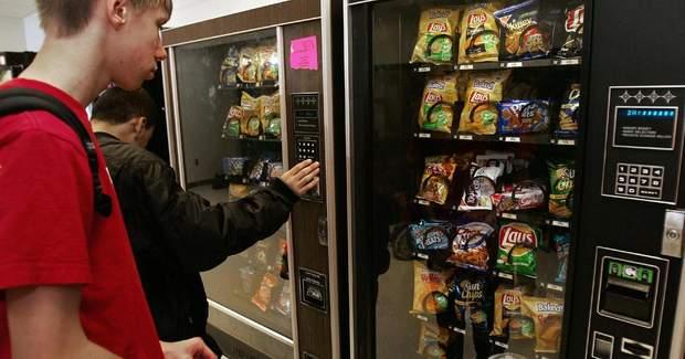 Шкільна їжа з автомата: шкода