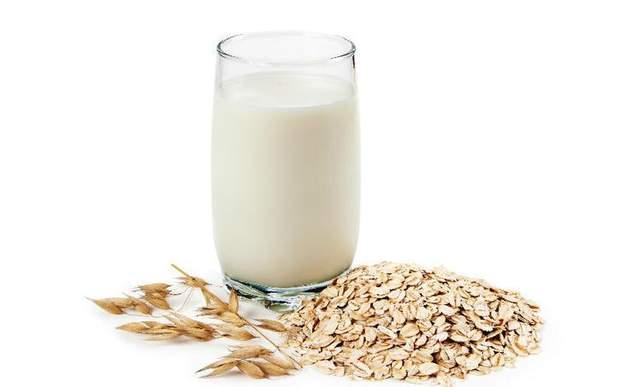 Чим корисне вівсяне молоко