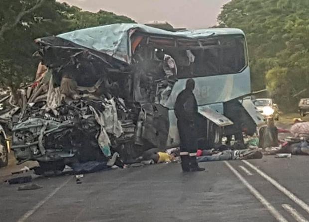 У Зімбабве зіткнулися автобуси