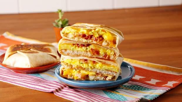 Люди, які вживали жирну їжу на сніданок, мали притуплену чутливість до інсуліну
