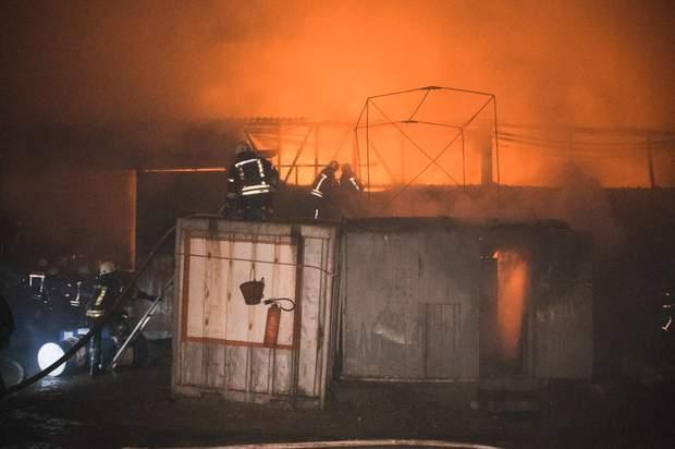 Пожежа на складах в Києві