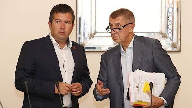 Чехія відставка Андрея Бабіша прем'єр-міністр скандал з сином