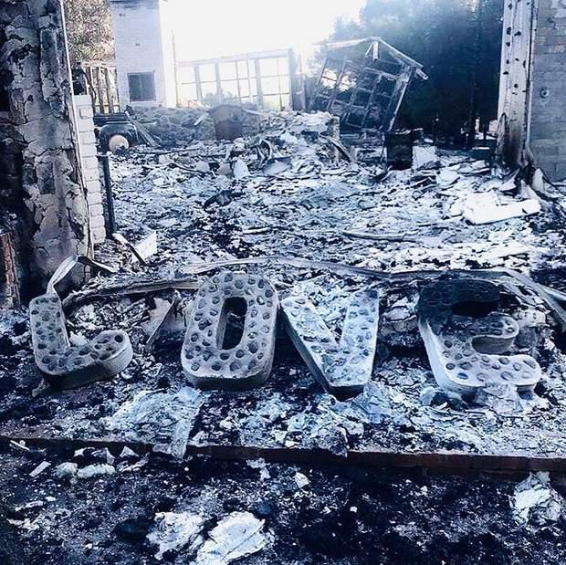 Згорілий будинок Майлі Сайрус і Ліама Хемсворта
