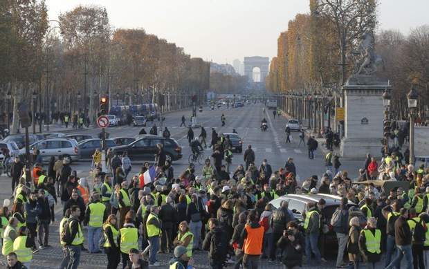 париж протести франція жовті жилети жертви