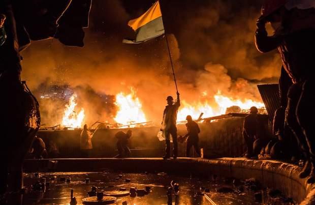 В листопаді 2013 року протести набули масового характеру