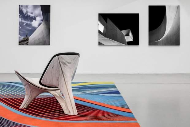килим стілець виставка Заха Хадід