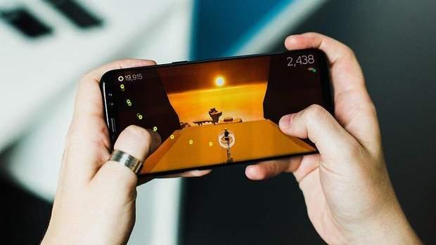 Для оптимального геймінгу варто обрати смартфон із великим дисплеєм