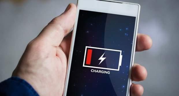 Важлим фактором є такоє і батарея смартфона