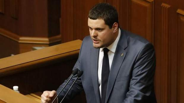 позафракційний народний депутат Андрій Іллєнко
