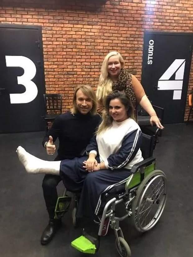 Дівчина зламала ногу