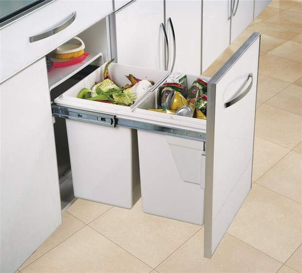 94% американців зізналися, що викидають їжу в сміттєпровід