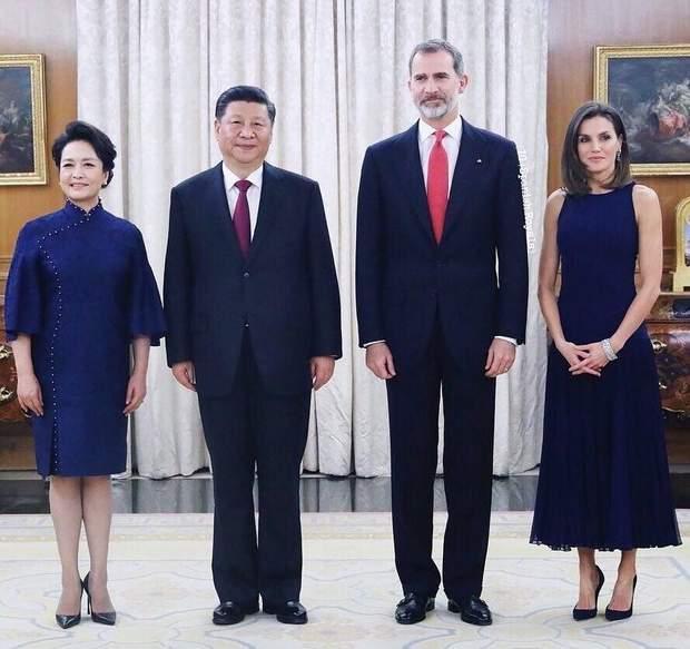 Президент Китаю з дружиною та королівська сім'я Іспанії
