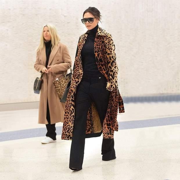 Вікторія Бекхем у леопардовому пальто
