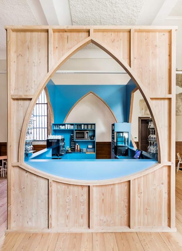 Кафе собор Антверпен