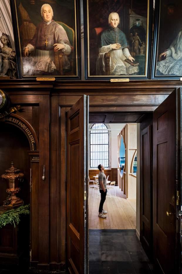 собор кафе Антверпен