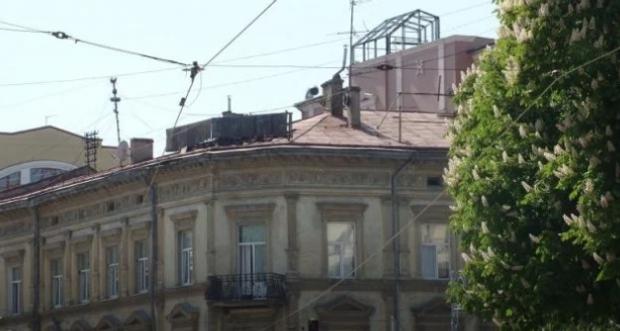 Надбудова готель Львів