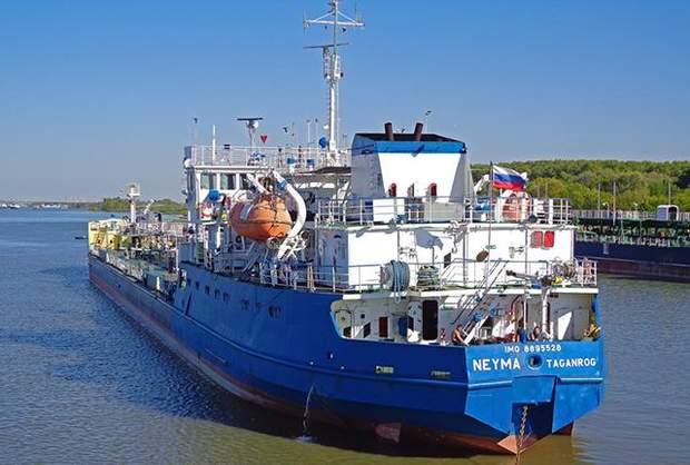Танкер Нейма Азовське море Керченська протока російські кораблі