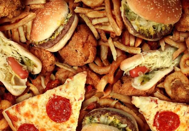 Що не можна їсти під час місячних