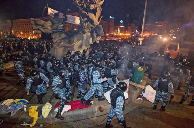 Розгон мітингувальників 30 листопада