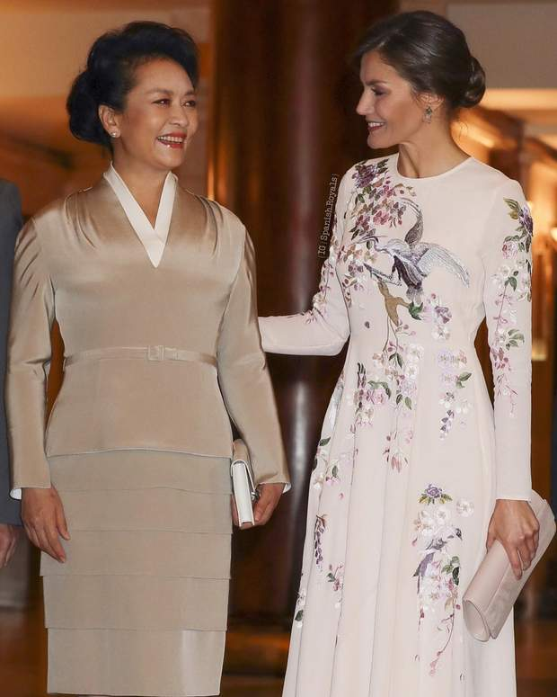 Королева Летиція і дружина президента Китаю