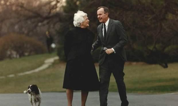 Джордж Буш з дружиною Барбарою