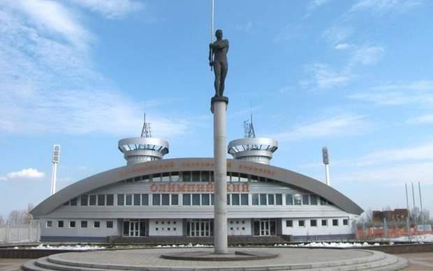 У центрі Донецька встановлено пам'ятник легендарному легкоатлетові