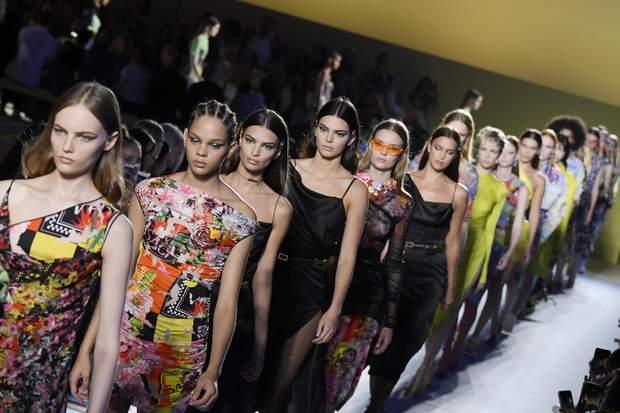 Показ нової колекції Versace