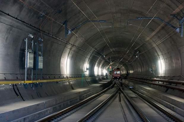 Тунель у Швейцарії