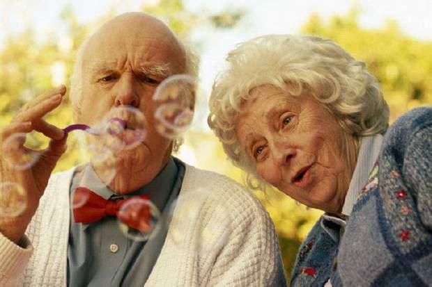 Старість в жінок важча через гормони