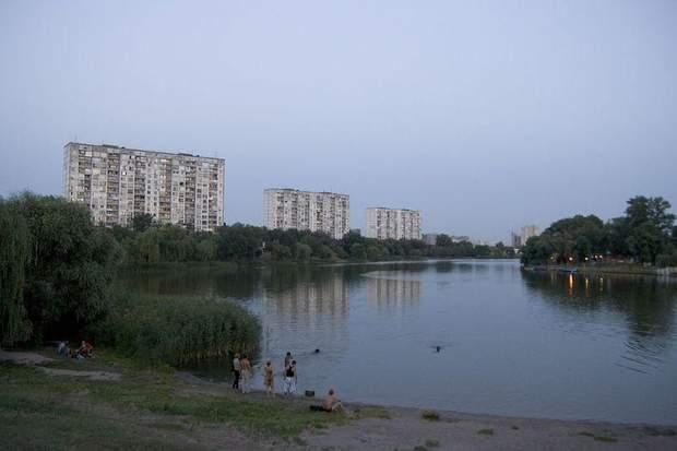 Озеро Алмазне, Київ