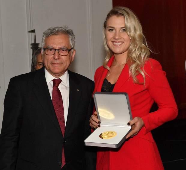 Ольга Харлан отримала престижну нагороду в Парижі: фото
