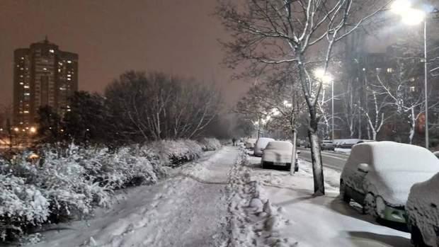 сніг київ