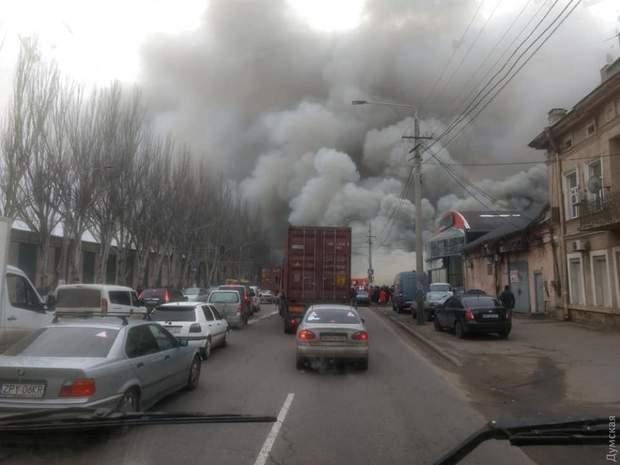 пожежа в Одесі пожежа на Миколаївській дорозі пожежа