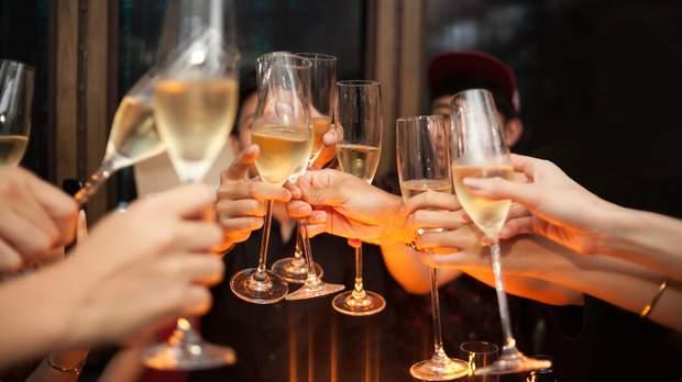Не зловживайте алкоголем та не змішуйте різні види спиртного
