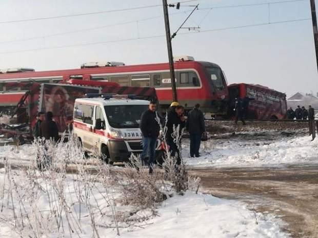 дтп поїзд сербія діти