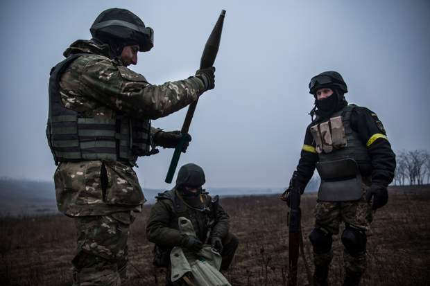 воєнні дії, Схід, обстріли