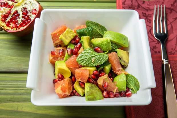 Салат на Новий рік з авокадо і грейпфрута