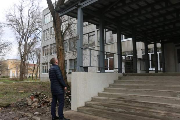 У Керченському коледжі відновили запасний вихід