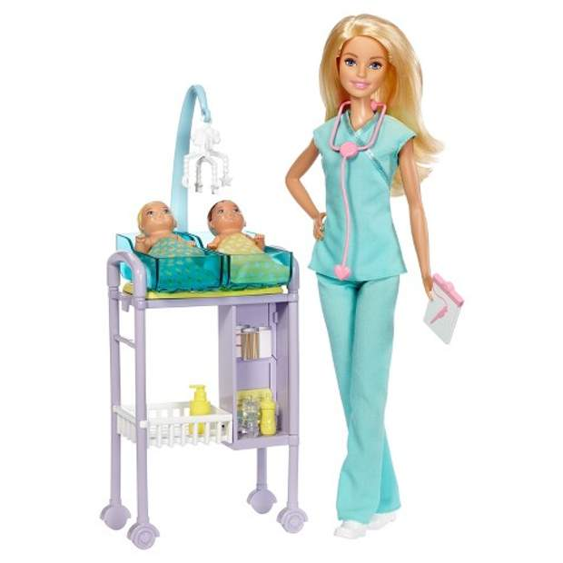 Надавайте перевагу лялькам, таким як лялька-лікар, лялька-вчитель