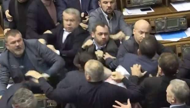 бійка у Раді Шуфрич