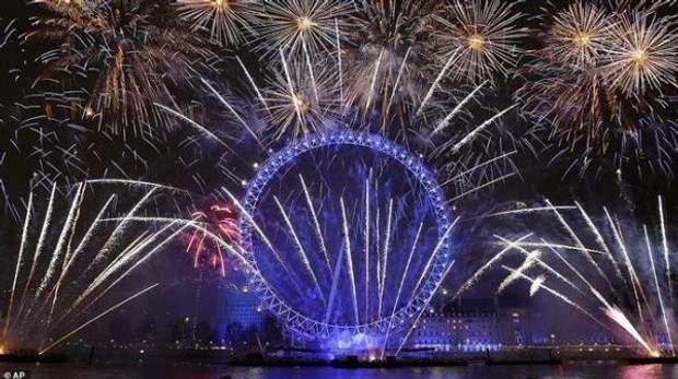 Великобританія Лондон салют Новий рік