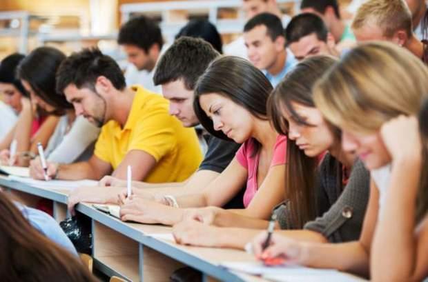 Студенти сплачують майже 4 тисячі державі