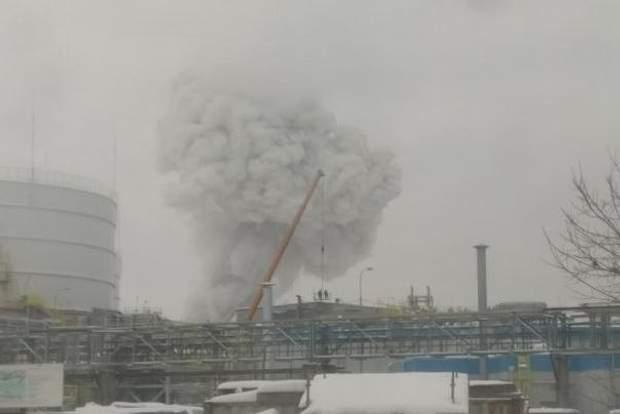 Пожежа, вибух, завод, Росія, Ленінградська область, Поліпласт